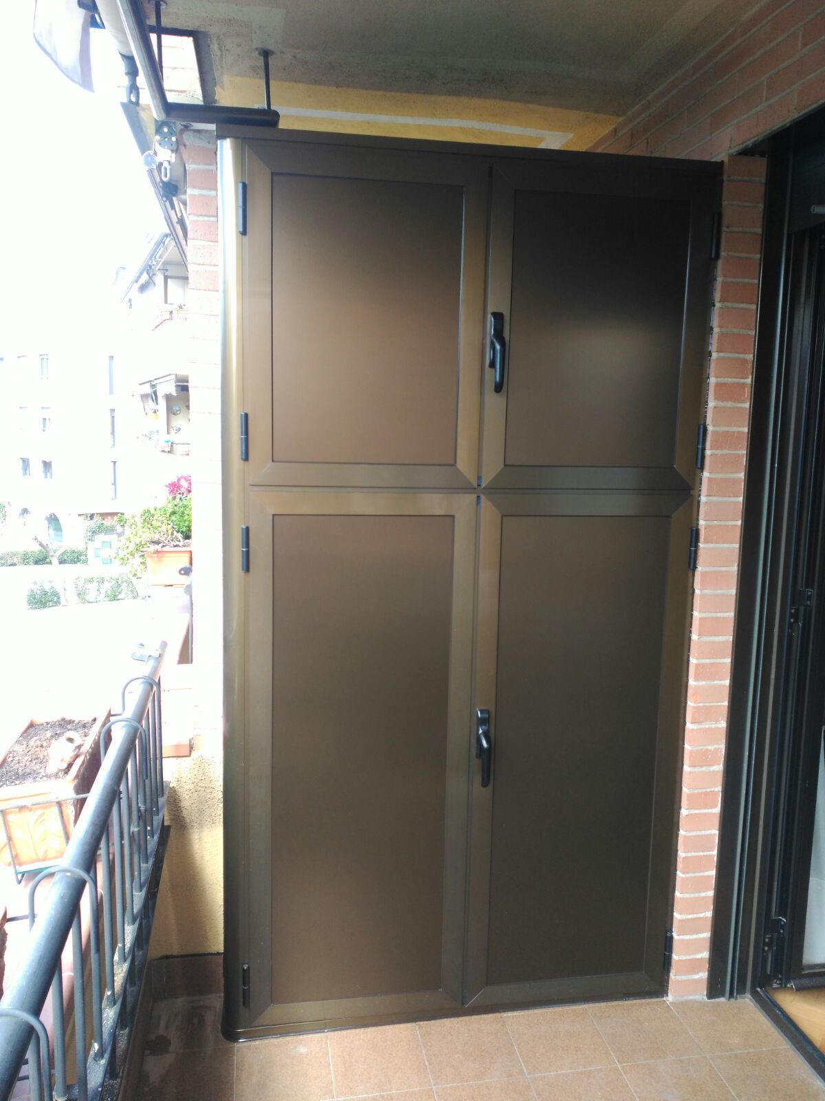 Soluciones para armarios de exterior de aluminio o pvc en madrid - Armarios para jardin ...