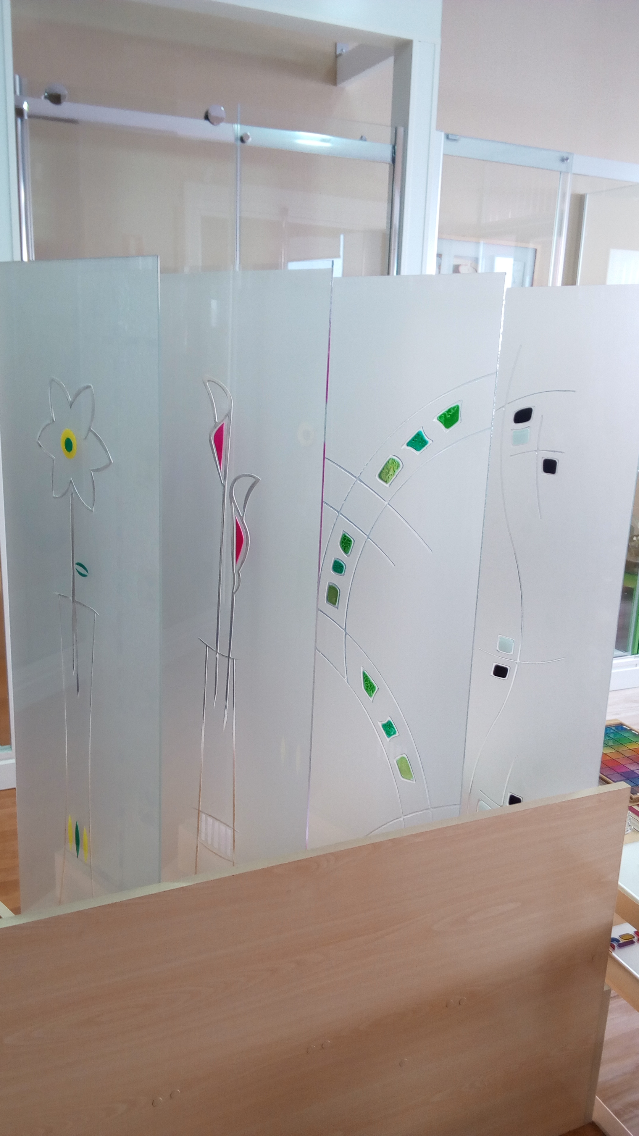 Cristales para puertas aluminios villalba empresa de - Cristales decorados para puertas ...
