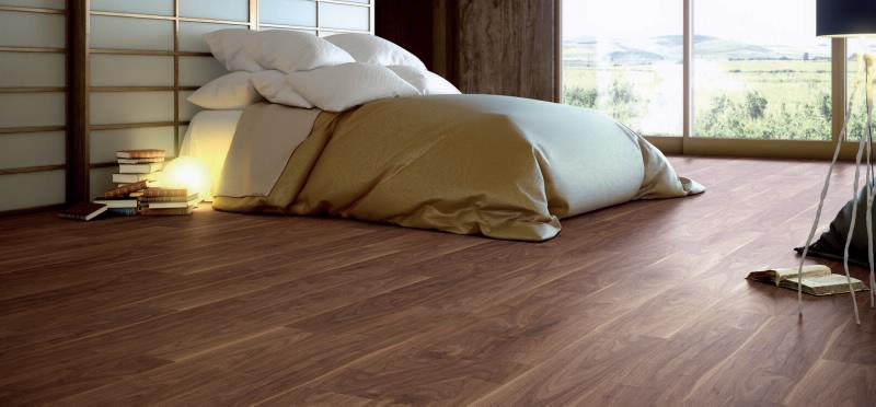 Tarima, suelo laminado color oscuro | Aluminios Villalba | Empresa ...